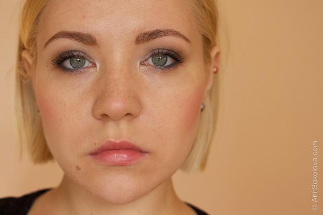 12 Avon True Colour Eyeshadow   Aquamarine Mystery makeup